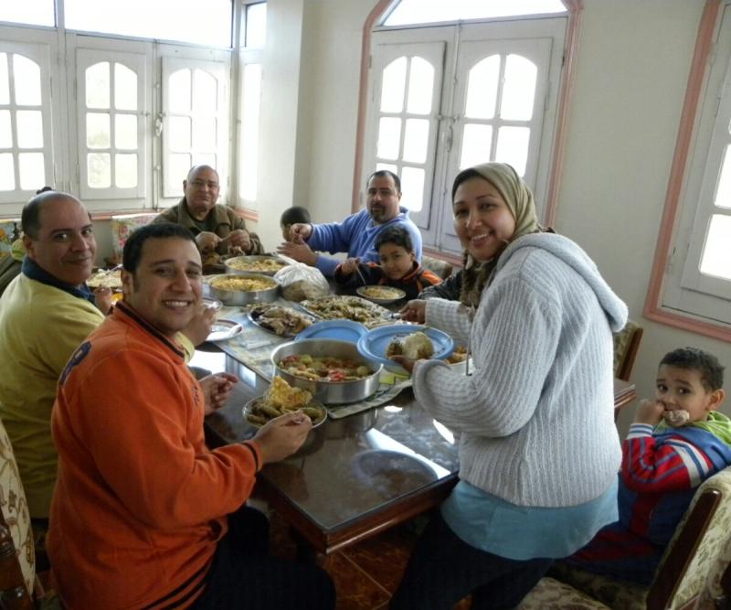 muslim family meal